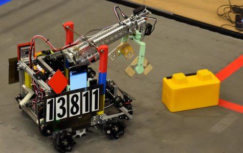 Aledo hosts qualifier robotics tournament