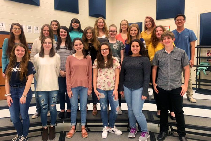 The collection of choir students advancing to State.