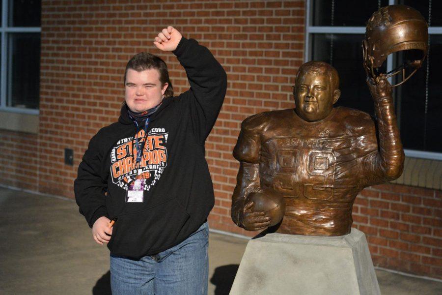 New Statue Unveiled at Bearcat Stadium