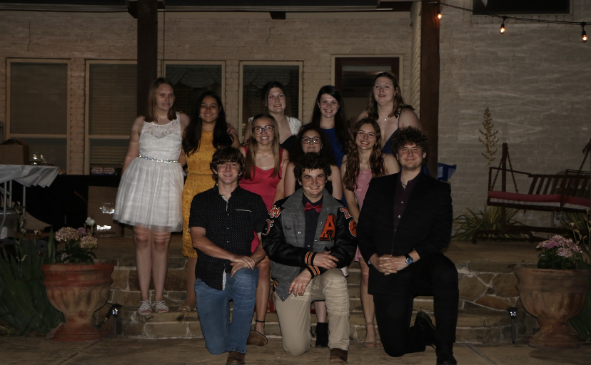 2022 Seniors celebrate the end of their junior year at the Choir Banquet last year.